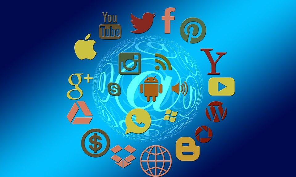 social-media-1430512_960_720